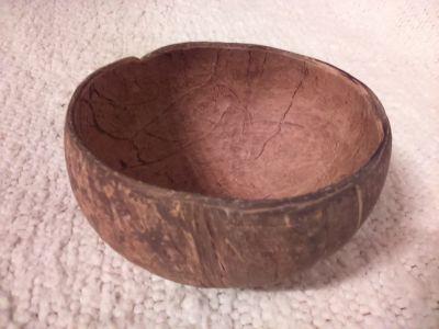 Daruji misku z kokosu