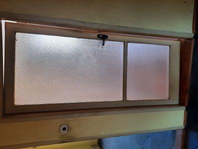 Daruji starší prosklené dveře o šířce 85 cm