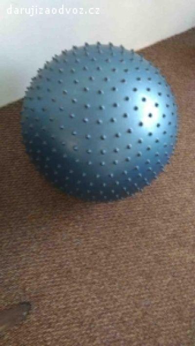 masážní gymnastický míč