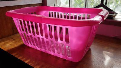 Plastový prádelní koš