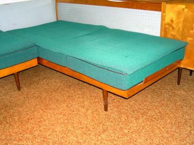 Dvě postele - válendy + matrace | VšezaOdvoz - Darujte nepotřebné ...