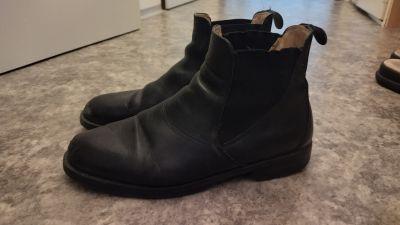 Chelsea kožené boty 41