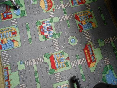 Hrací dětský koberec