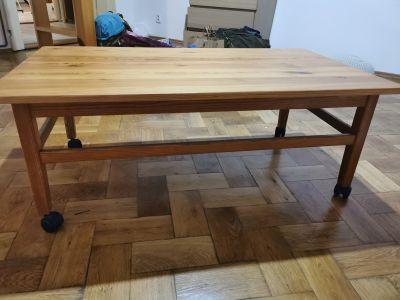 Dřevěný stůl na kolečkách cca 120cm