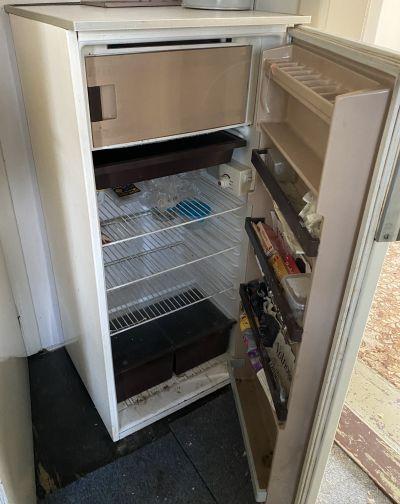 Daruji za odvoz ledničku