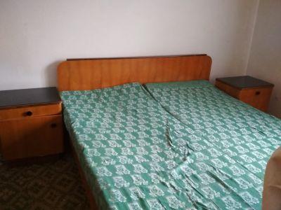 Daruji za odvoz manželskou postel