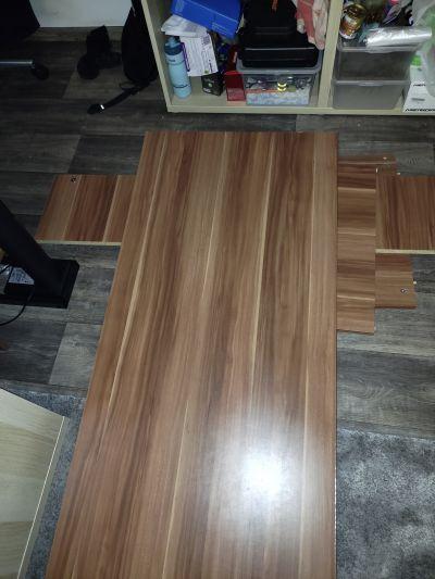 Darujem drevený stôl