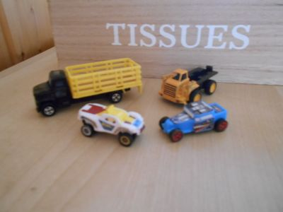 4 malinká autíčka