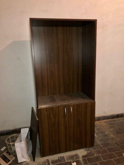 skříňka bez polic