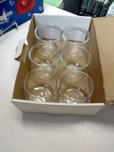 Další skleničky, vhodné na tvoření, i na pití