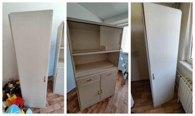 3 praktické bílé skříně (2x šatní skříň a 1x kredenc)