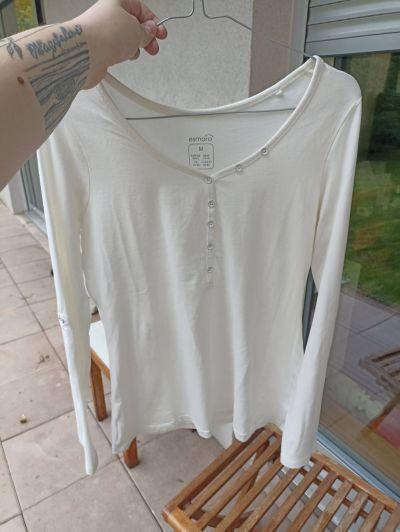 Téměř nové bílé triko esmara