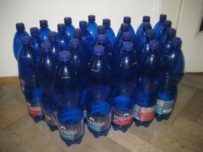 30 ks prázdných PET lahví Magnesia