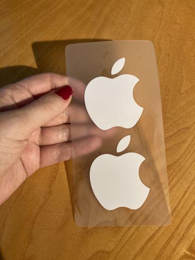 MacBook nálepky