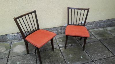2ks čalouněné židle.