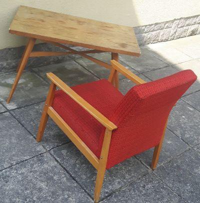 Konferenční stolek a 2 křesla