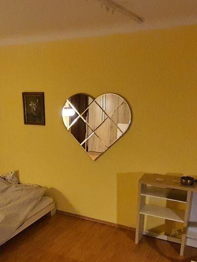 Velké zrcadlo ve tvaru srdce