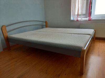 Manželská postel za odvoz