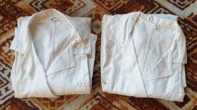 Bílé pracovní pláště