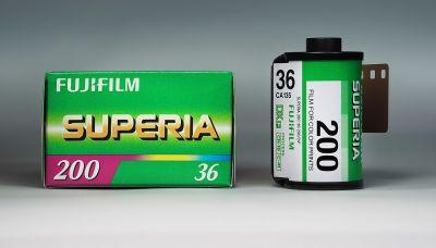Filmy do foťáku-barevné i černobílé,i starší-hledám za odvoz