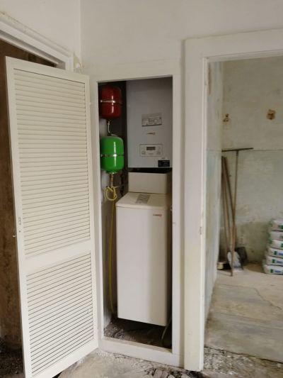 Plynový kotel s zásobníkem a přídavnými nádržemi