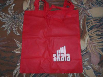 Červená taška.