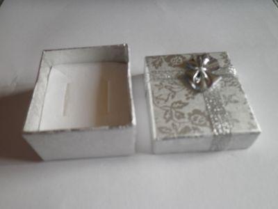 Krabička na šperk stříbrná
