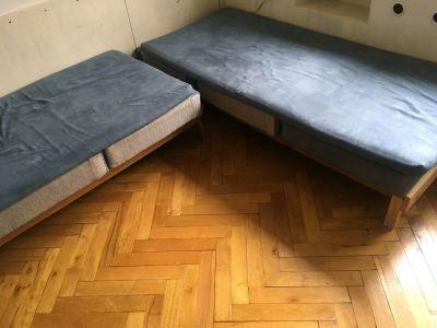 2 postele/válendy
