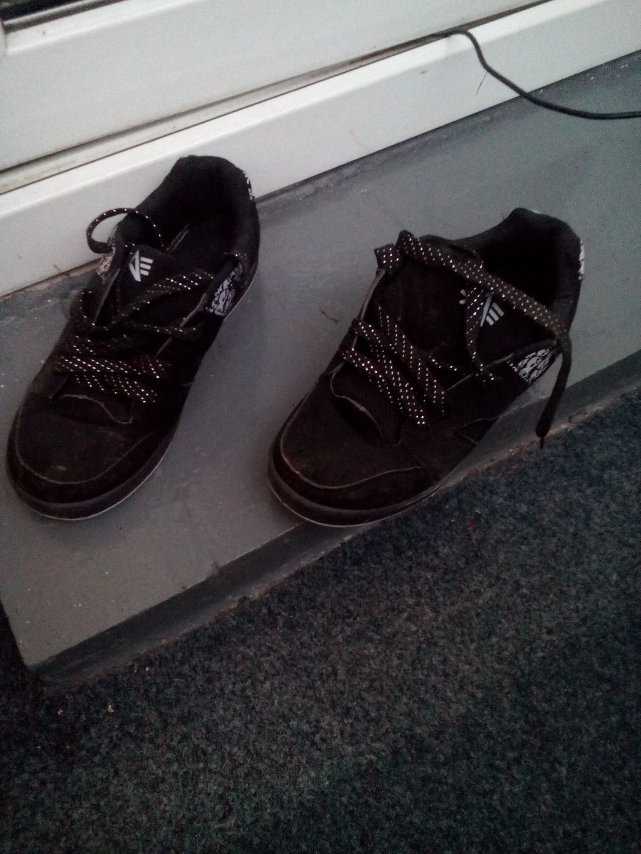 Daruji za odvoz skate boty s lebkami 39  8f61c14f92