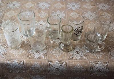 Různé malé skleničky - objem cca 1 dl