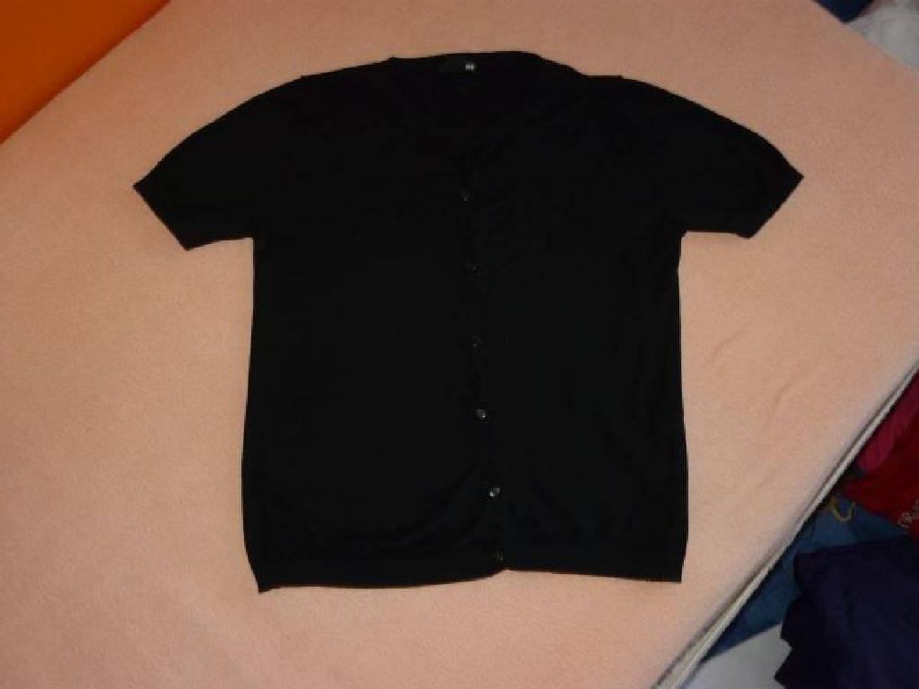 Daruji za odvoz dámský černý svetřík s krátkým rukávem značky h m ... bf591a8eb6